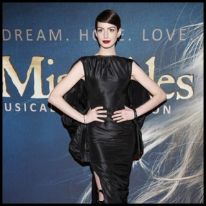 El look de las celebrities 65: Cate Blanchett vs Anne Hathaway