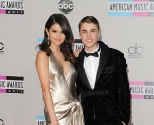 American Music Awards 2011: El look de Selena Gomez