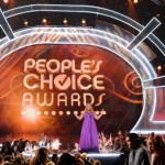 La moda de los famosos en los People's Choice Awards 2011