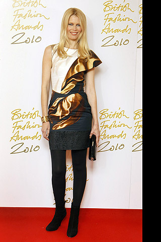 british_fashion_awards_2010_940001142_320x480