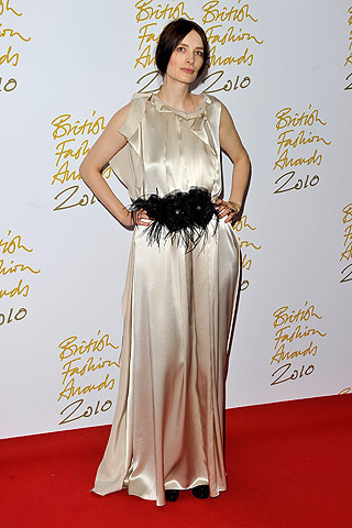 british_fashion_awards_2010_942208293_320x480