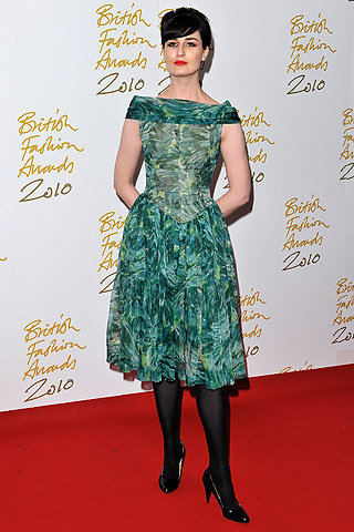 british_fashion_awards_2010_989142460_320x480