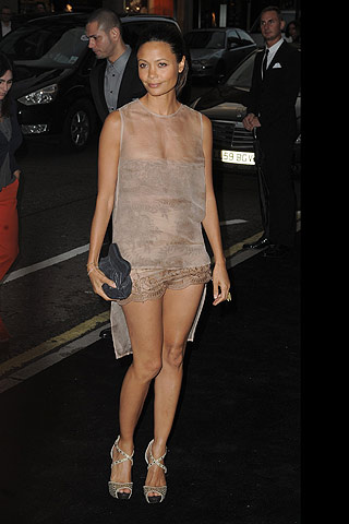 fashion__s_night_out_en_londres_837566477_320x480